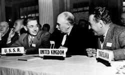Keynes et l'observateur envoyé par l'URSS au sommet de Bretton Woods
