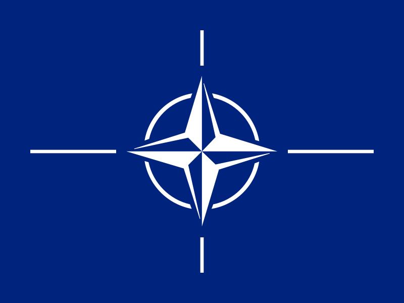 Le drapeau officiel de l'OTAN.