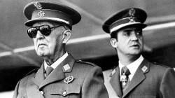 Franco (à gauche) et Juan Carlos (à droite)