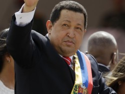 """Hugo Chavez, figure contestée en Amérique du Sud qui a instauré le modèle politique """" bolivarien"""" comme alternative au socialisme et au marxisme."""
