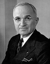 Le Président américain Harry Truman et sa doctrine ont officiellement lancé la création de deux blocs