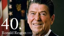 Ronald Reagan, le 40ème président des Etats-Unis est celui dont les politiques ont façonné le pays et la droite américaine depuis 30 ans.