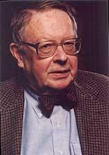 Les principes du néoréalisme furent édictés par Kenneth Waltz, l'internationaliste le plus cité dans le domaine des Relations Internationales.
