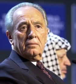 Shimon Peres, ancien président d'Israël et défenseur de la paix, a été récemment battu aux élections présidentielles par Reuven Rivlin, faucon partisan d'une grande Israël