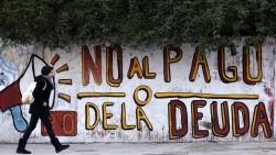 """Sur les murs de Buenos Aires : """" Non au paiement de la dette""""."""