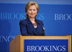 Les plus grands décideurs se pressent à la tribune des grands think tanks américains. Ici Hillary Clinton s'exprime à The Brookings Institution, l'un des think tanks les plus influents du monde.