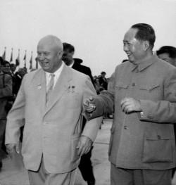Khrouchtchev et Mao, en 1959, avant le début officiel des bisbilles sino-soviétiques