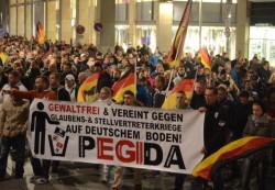 Le mouvement PEGIDA est en plein essor et rassemble de plus en plus de personnes dans toute l'Allemagne.