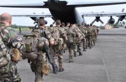 Soldats français en déploiement dans le cadre de l'opération Sangaris. Source: defense.gouv.fr