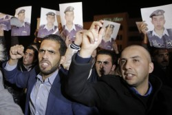 D'importantes manifestations éclatent à Amman où sont réclamées des négociations directes avec l'EI pour la libération de l'otage jordanien