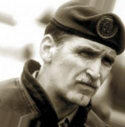 Le général Canadien Roméo Dallaire, commandant de la MINUAR en 1994