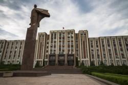 La statue de Lénine en plein coeur de Tiraspol, la capitale transnistrienne