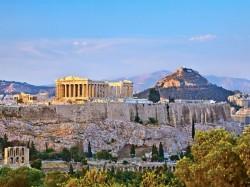 La Grèce oscille depuis 5 ans entre réformes douloureuses et prêts de fonds pour combler sa dette.