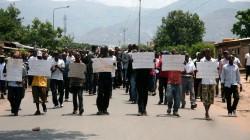 Des manifestants réclamant la fin des violences au Burundi