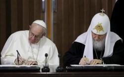 Le pape François et le patriarche Cyrille réunis pour la première fois à Cuba