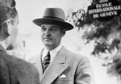 G. Kennan en 1952. Il était alors ambassadeur auprès de l'URSS. © Bettmann/CORBIS