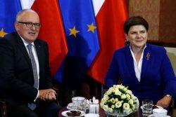 Les rencontres entre Frans Timmermans, vice-président de la Commission européenne, et Beata Szydlo, chef du gouvernement polonais, n'ont pas empêché la mise en place d'une procédure exceptionnelle à l'encontre de la Pologne pour non respect de l'Etat de droit.