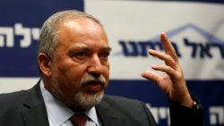 Le nouveau ministre de la défense Avigdor Lieberman, lors d'un meeting de son parti Israel Beytenou, le 26 mai dernier. Sa nomination a été très discutée par la Knesset. (c) Reuters