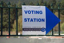 Les élections sur le continent africain opposent souvent une population en quête de changement et un pouvoir qui souhaite conserver son assise au sein du pays.