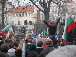 Des manifestants dans les rues de Sofia, la capitale bulgare, en mars 2013.