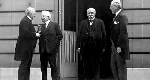 Les dirigeants des pays vainqueurs de la Première Guerre mondiale réunis à Paris (de gauche à droite: Loyd George, Vittorio Orlando, Georges Clemenceau et Woodrow Wilson).