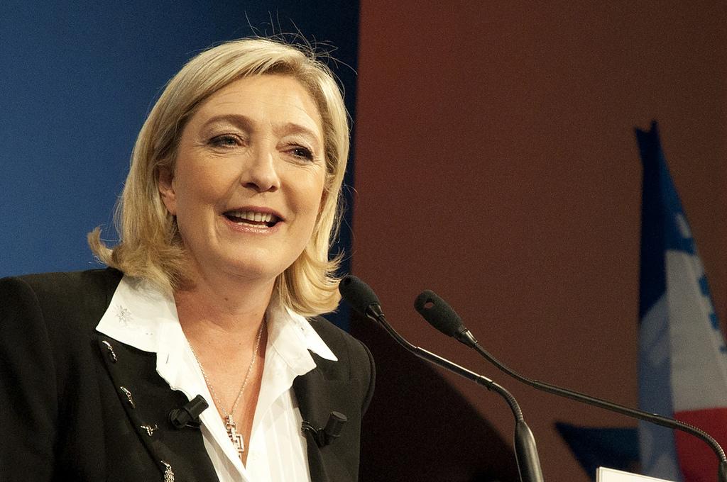 La politique étrangère de Marine Le Pen : Marine le Pen la souveraineté contre un monde hostile