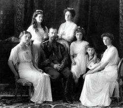 Nicolas II, dernier Romanov à avoir régné sur la Russie, n'a pas su réagir face à la crise profonde de son pays.