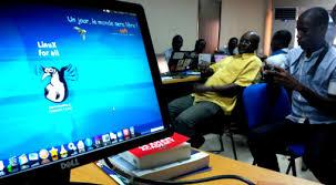 La bataille pour le logiciel libre en Afrique– par Loup Viallet