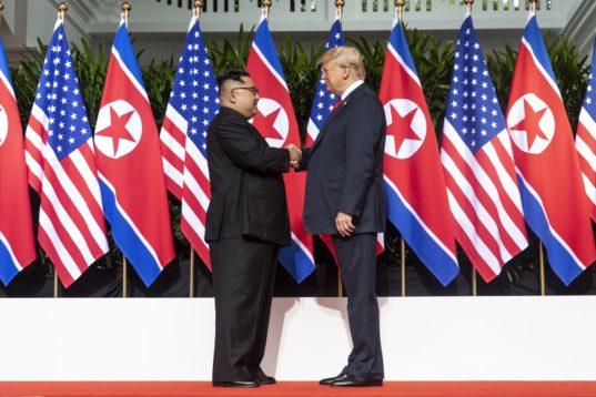 Rencontre historique entre Donald Trump et Kim Jong-un à Singapour, le 12 juin dernier.