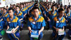 Endoctrinement politique dans un camp de rééducation chinois