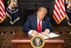 Le président Trump décrète de nouvelles sanctions à l'encontre de l'Iran.