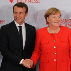 L'ambition du Traité d'Aix-la-Chapelle est de rafraîchir les relations bilatérales franco-allemandes jusqu'alors régies par le Traité de l'Elysée signé en 1963 par le Général de Gaulle et Konrad Adenauer
