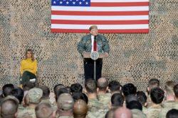 Le président Trump rend visite aux troupes américaines en Irak, décembre 2018.