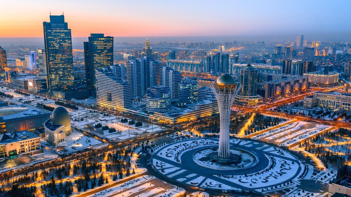 L'urbanisation de la capitale du Kazakhstan, Nursultan, incarne la volonté de grandeur de l'ex-président N. Nazarbayev. Le côté futuriste est mis en avant par les architectes.