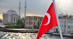 La Turquie fait preuve d'une diplomatie trouble pour ses alliés de l'OTAN. Entre désaccords et conflits, la relation entre le traité et Ankara est de plus en plus complexe.