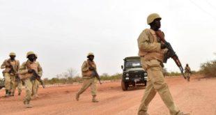 Plusieurs soldats burkinabé lors d'une opération contre un groupe djihadiste