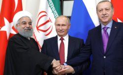 Les présidents iraniens, russe et turc, maîtres du jeu en Syrie.