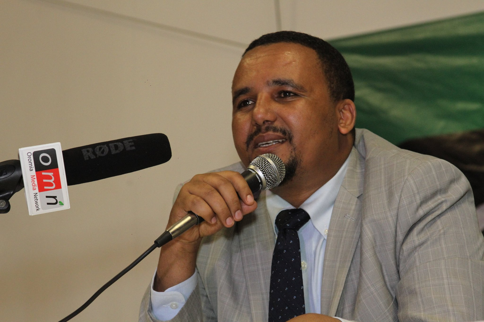 Jawar Mohammed est un leader politique controversé. En guerre ouverte contre le premier ministre, il pourrait être qualifié de cyberactiviste quant à son influence sur les réseaux sociaux.