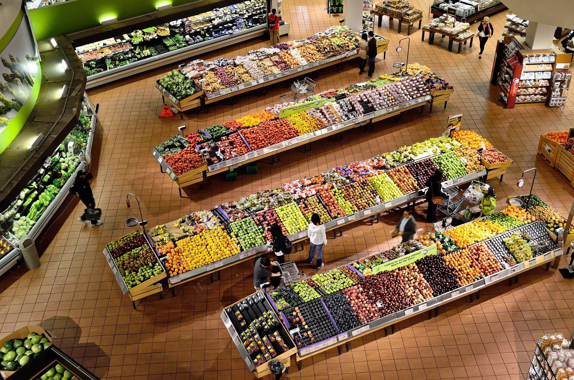 La production, la transformation, le conditionnement, l'acheminement et la conservation de la nourriture est totalement déléguée à une chaine d'acteurs dans le monde moderne.