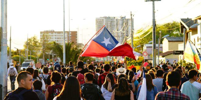 Chili : entre irruptions de mémoires et vestiges dictatoriaux